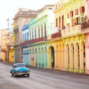 Cuba en mode Salsa et vieille Cadillac